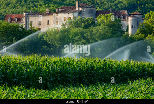 Chateau Arcambal, nr Cahors, Lot Valley, Quercy, France - Stock-Bilder