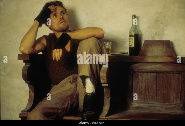 THE ENGLISH PATIENT (1996) WILLEM DAFOE EPT 011 - Stock Image
