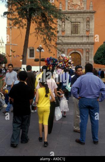 Mexico latinos strolling park stock photos mexico for Jardin zenea queretaro
