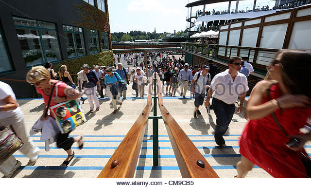 28/06/2012 - Wimbledon (Day 4) - Spectators flow past each other on the steps - Photo: Simon Stacpoole / Offside. - Stock-Bilder