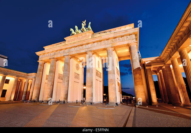 Germany, Berlin: Brandenburg Gate  by night - Stock Image