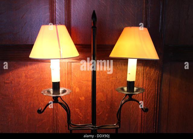 Wall Mounted Electric Lamps : Electric Light 1920 s Stock Photos & Electric Light 1920 s Stock Images - Alamy
