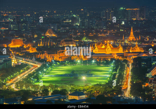 Grand palace at twilight in Bangkok, Thailand - Stock Image