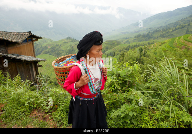 rice village haircut huangluo stock photos amp huangluo stock images alamy 4692 | long haired women from huangluo yao village these women only have b387bp