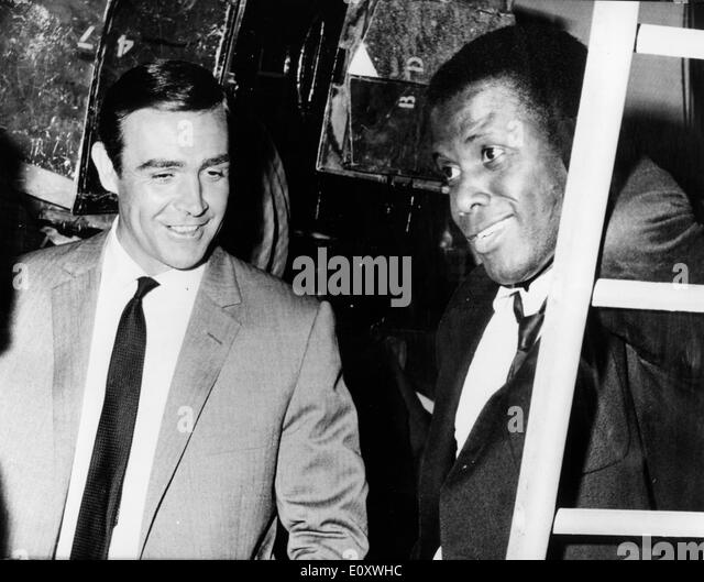 Actors Sidney Poitier and Sean Connery - Stock Image