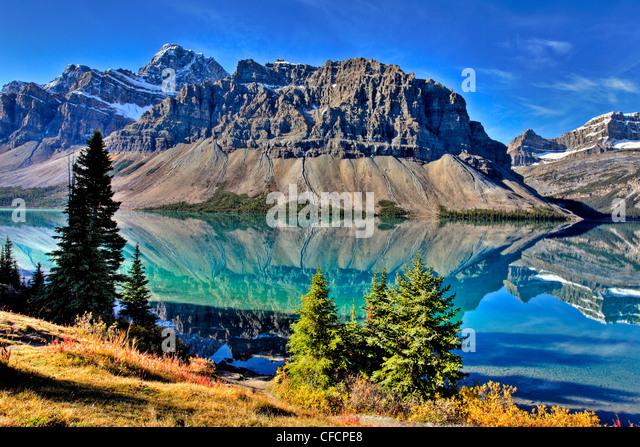 Bow Lake, Crowfoot Mountain, Banff National Park, Alberta, Canada - Stock Image