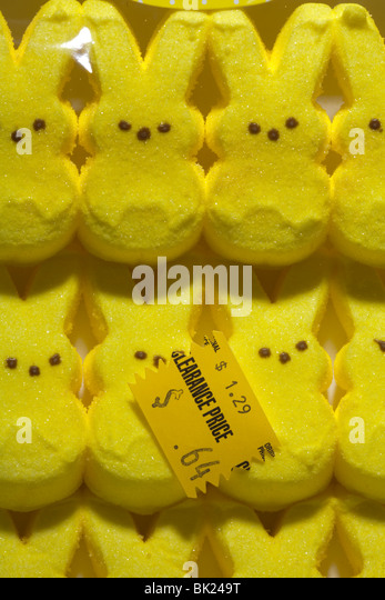 clearance priced yellow easter candy - Stock Image