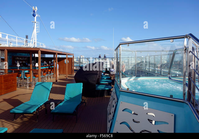Cruise Ship Pool Stock Photos Cruise Ship Pool Stock Images Alamy