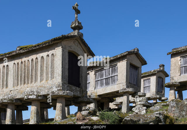 Old Granaries (espigueiros) in the village of Lindoso in the Parque Nacional da Peneda-Geres in northern Portugal. - Stock Image