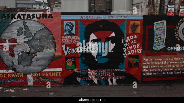 Belfast Falls Rd Republican Mural - Venceremos Cuba solidarity - Stock Image