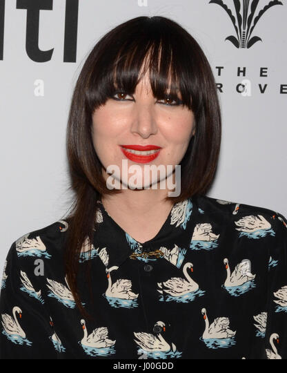 Karen O arrive for the Premiere Of 'SHOT! The Psycho-Spiritual Mantra of Rock' held at Pacific Theatres - Stock-Bilder