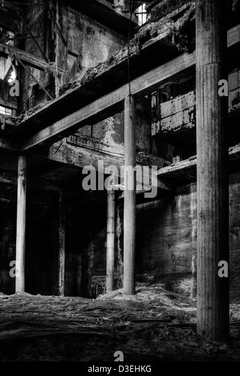 Italy. Abandoned factory. Asbestos deposit - Stock Image