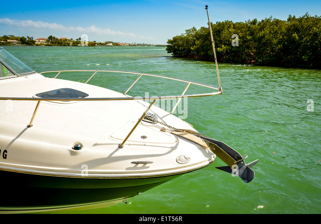 Cabin cruiser motor boat stock photos cabin cruiser for Green boat and motor