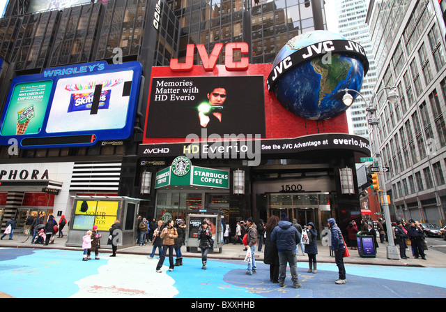 JVC billboards at New York Times Square, Christmas 2010 - Stock Image