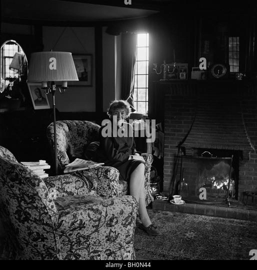 Children's writer Enid Blyton at home in Beaconsfield early in 1968 She  died in November 1968 - Stock-Bilder