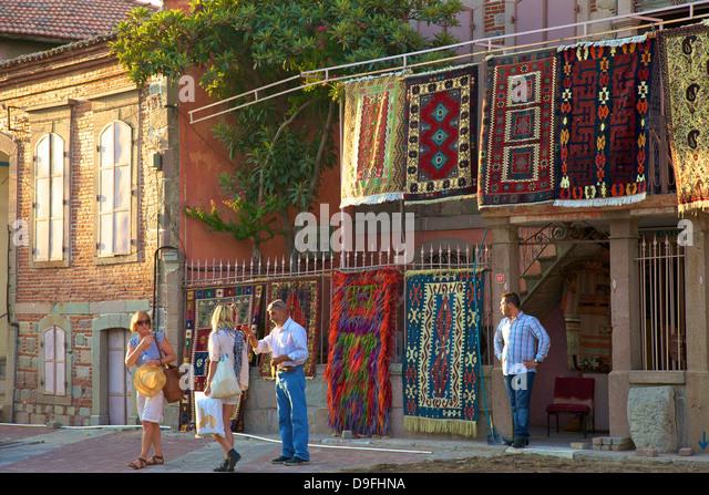 Carpet shop with tourists, Pergamum, Anatolia, Turkey Minor, Eurasia - Stock-Bilder