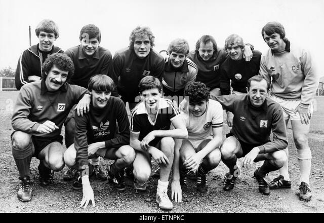 Newcastle United 1982. Togetherness, Newcastle United kids and big names. Back Row left to right, Brian Tillon, - Stock Image