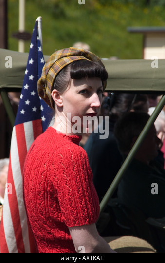 Female civilian 1940's re-enactor at a VE day celebration - Stock Image