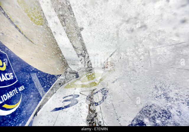 Onboard the IMOCA Open 60 Macif crewed by Francois Gabart and Michel Desjoyeaux during a training session before - Stock-Bilder