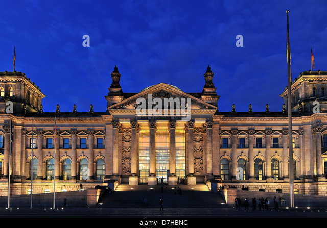 The German Reichstag in Berlin at night mood - Stock Image