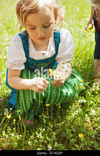 Girl in traditional Bavarian clothes - Stock-Bilder