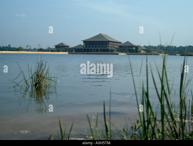 Parliament of Sri Lanka, Columbo. Architect: Geoffrey Bawa - Stock Image