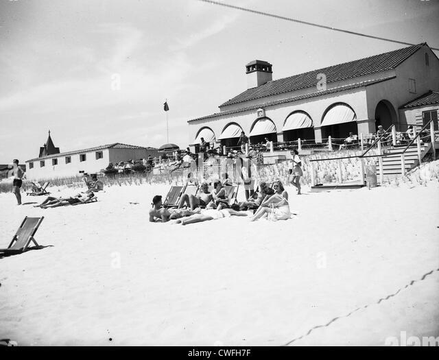 View of Southampton Bathing Corporation with sunbathers, Southampton, New York, 1953 - Stock Image