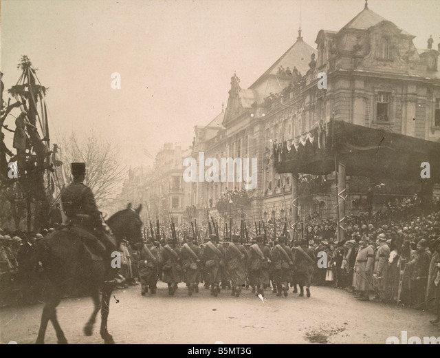 9FK 1918 11 22 A1 3 E French troops in Strasbourg 1918 Photo World War I 1914 18 End of the War Strasbourg is occupied - Stock Image