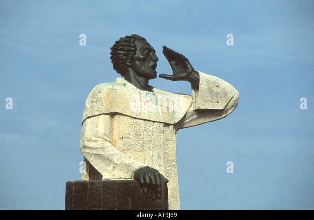 Dominican Republic Santo Domingo West Indies Hispaniola malecon statue of Friar Antonio de Montecrios - Stock Image