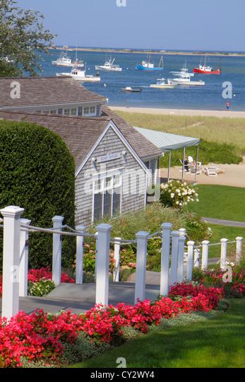 Massachusetts Cape Cod Chatham Shore Road Chatham Bars Inn hotel resort Aunt Lydia's Cove Atlantic Ocean boats - Stock Image