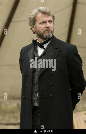 AIDAN QUINN BURY MY HEART AT WOUNDED KNEE (2007) - Stock Image