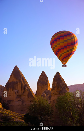 Balloons over Goreme valley; Cappadocia, Anatolia,Turkey - Stock-Bilder