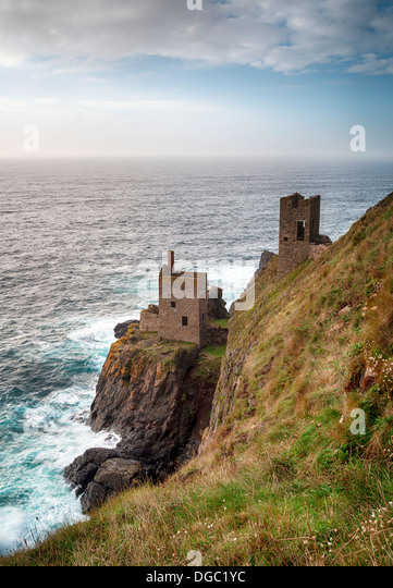 The Crowns at Botallack near Lands End in Cornwall, iconic ruins left over from the Cornish tin mining industry - Stock Image