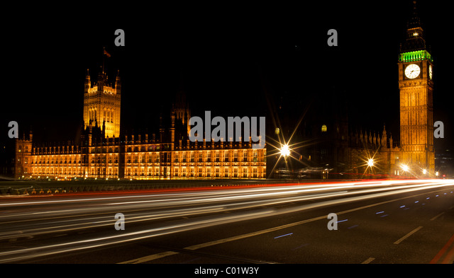 Light trails outside the houses of parliament in London - Stock-Bilder