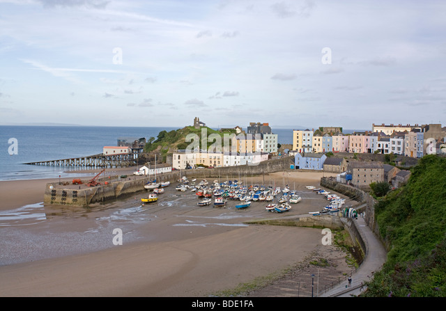Tenby Harbour tide out - Stock Image