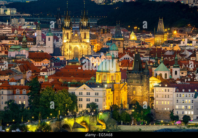 Czech Republic, Prague, city Skyline at dusk - Stock-Bilder