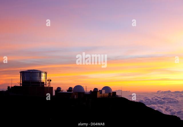 Haleakala Observatories on  Hawaii island of Maui - Stock-Bilder