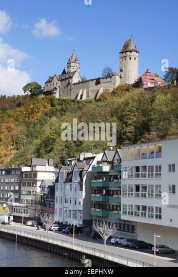 Lenne River, Altena Castle, Altena, Lennetal, Maerkischer Kreis, Sauerland, North Rhine-Westphalia, Germany, Europe, - Stock-Bilder