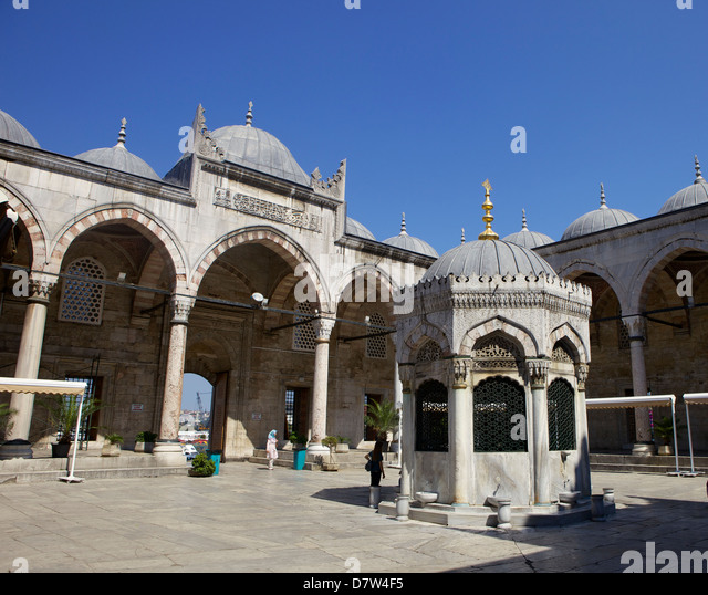 The Yeni Camii (New Mosque), Istanbul, Turkey - Stock Image