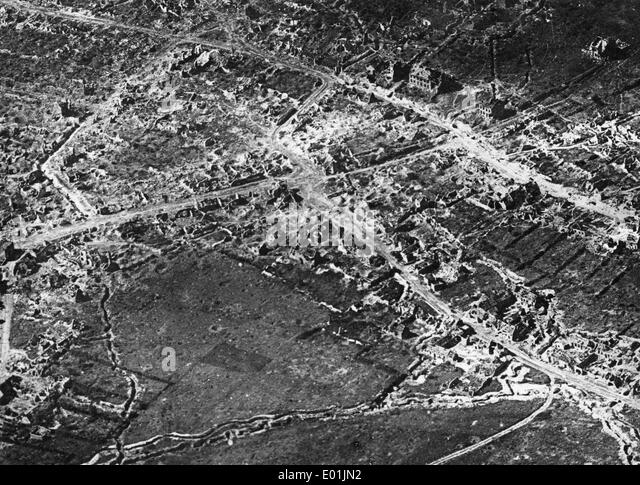 Aerial photograph of the French city of Loos, 1917 - Stock-Bilder