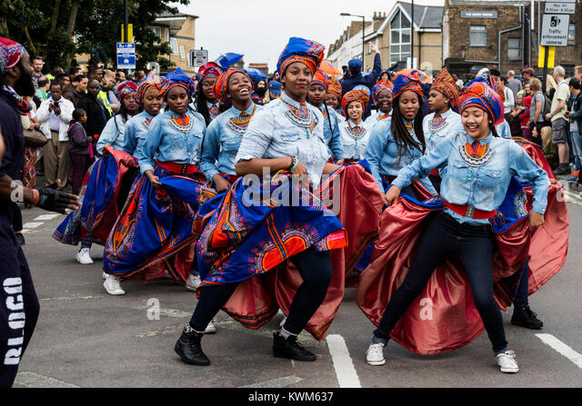 Group of dancers at the Notting Hill Carnival parade - Stock Image