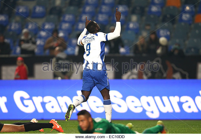PORTUGAL, Coimbra: Porto's Colombian forward Jackson Martinez celebrates after scoring a first goal during Premier - Stock Image