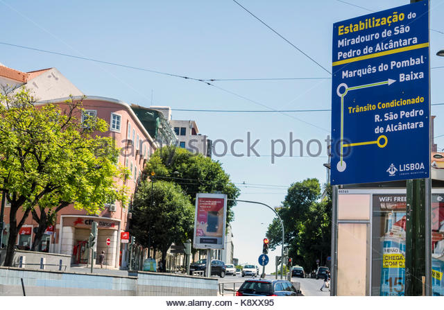 Portugal Lisbon Largo do Rato street sign directions detour rerouted traffic Portuguese language - Stock Image