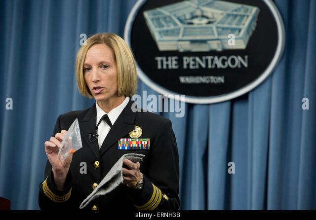 US Navy Cmdr. Franca Jones, Director of Medical Programs for DOD Chemical and Biological Defense, explains how anthrax - Stock Image