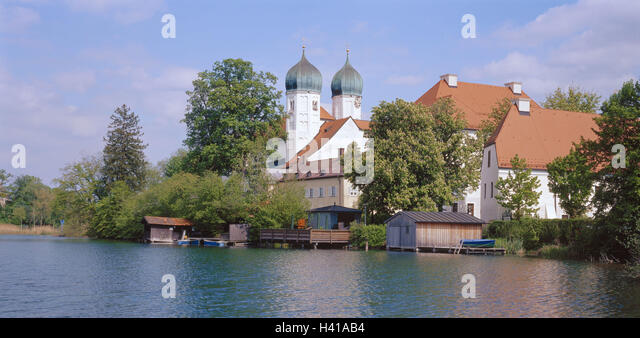 Germany, Upper Bavaria, Chiemgau, Seeon, cloister, church, lake, boathouses, Europe, South Germany, Bavaria, cloister - Stock Image