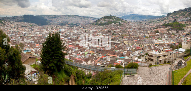 The town of Quito with Panecillo and statue of the Virgin of Quito, View from restaurant Ventanal to the south, - Stock Image