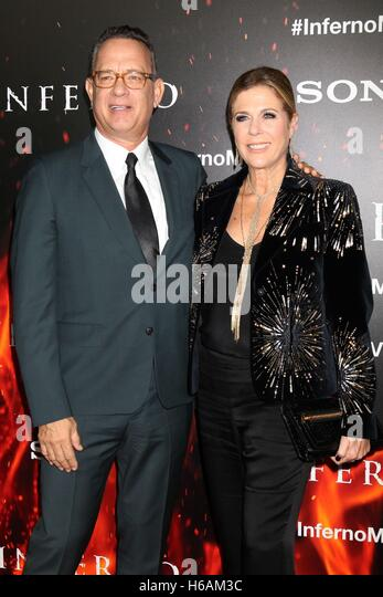 Los Angeles, CA, USA. 25th Oct, 2016. Tom Hanks, Rita Wilson at arrivals for INFERNO Premiere, Directors Guild of - Stock Image