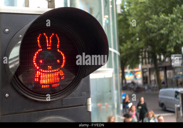 Red pedestrian traffic light stock photos red pedestrian traffic light stock images alamy - Miffy lamp usa ...