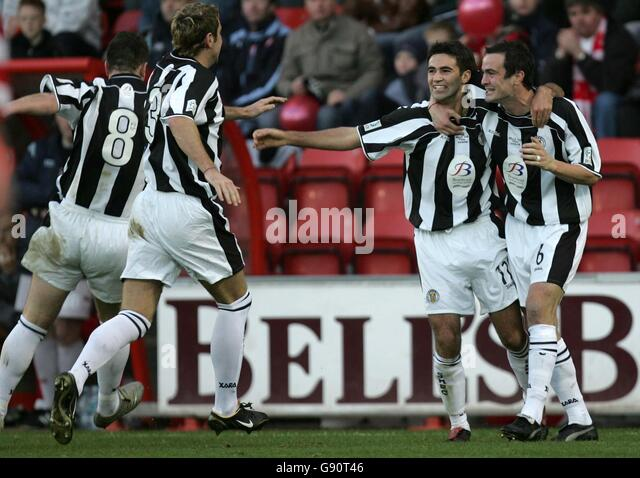 Soccer - Bell's Cup Final 2005 - St Mirren v Hamilton Academical - Excelsior Stadium - Airdrie - Stock Image