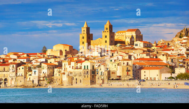 Sicily Island - Cefalu old town and cathedral, Sicily, Italy - Stock-Bilder